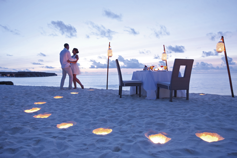 maldives romantic dinner